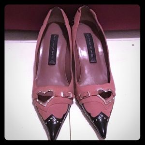 Mauve pink and black heart buckle heel